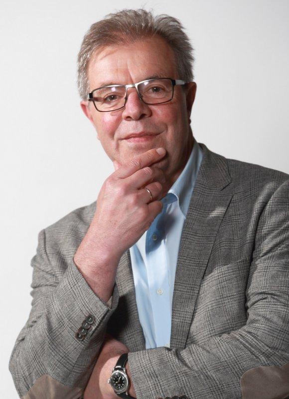 Reimund Schmidt-De Caluwe, Professor für öffentliches Recht und Sozialrecht